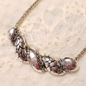 Jewelry - Chunky Silver Tone Statement Necklace